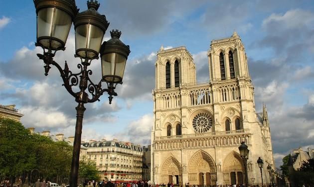 Eredeti formájában állítanák vissza a Notre-Dame huszártornyát