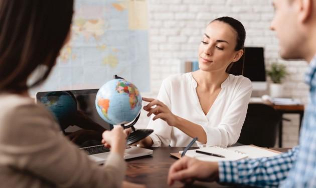 Januártól minden utazási irodának a teljes árat kell kommunikálnia