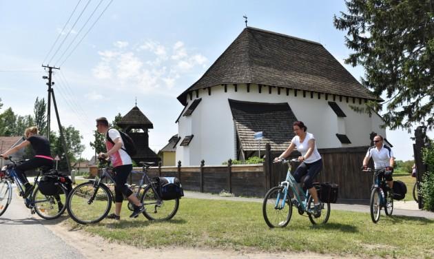 Kerékpáros örökségtúra a középkori templomok útján