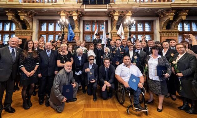 Auguszt Olgát és Ganczer Gábort is kitüntette a főváros