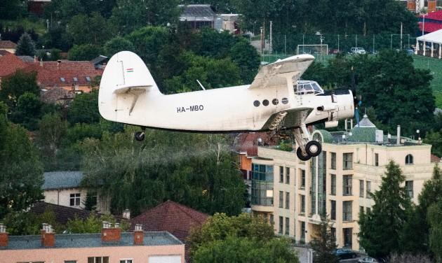 Ideiglenesen engedélyezte a légi kémiai szúnyogirtást az NNK