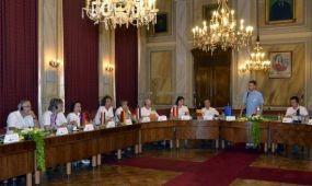 Gyulán és Zebegényben járt az Európai Virágos Városok és Falvak versenyének zsűrije