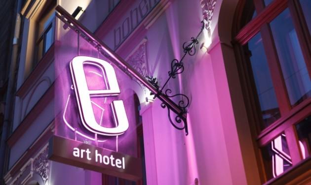 Bohem Art Hotel**** boutique szálloda– Recepciós