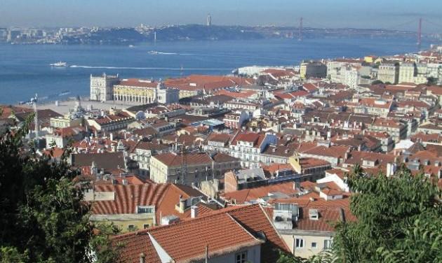 Portugália: nyolcadik éve nő a külföldi turisták száma