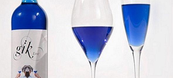 Itt a kék bor!