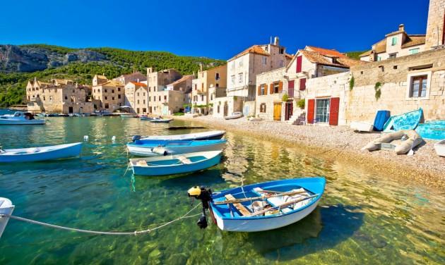 Tömegesen hagyják el a holland turisták Horvátországot