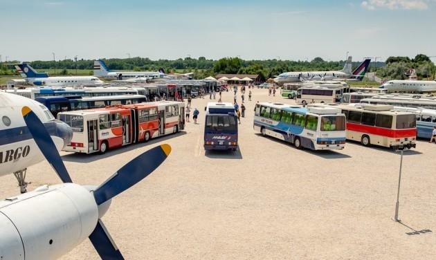 Legendás Ikarus autóbuszok láthatók a hétvégén az Aeroparkban