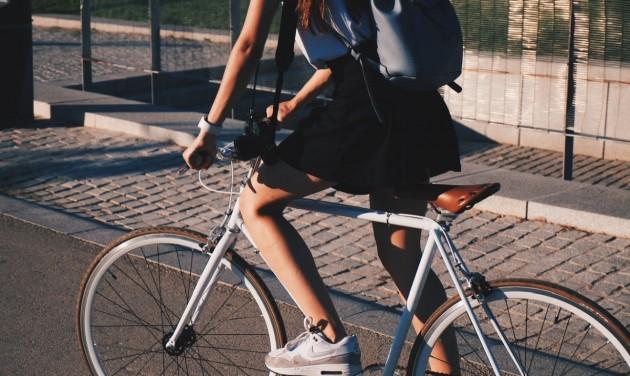 Siófok és Balatonakarattya között fejlesztik a balatoni kerékpárutat