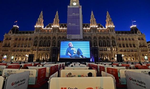 Zenei filmfesztivál a bécsi Rathausplatzon