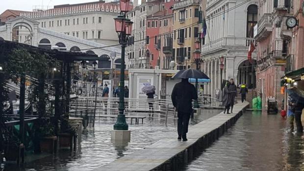 Vészhelyzet Velencében az árvíz miatt