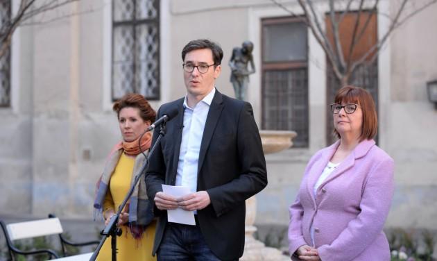 Budapesten bezárnak a múzeumok és a színházak