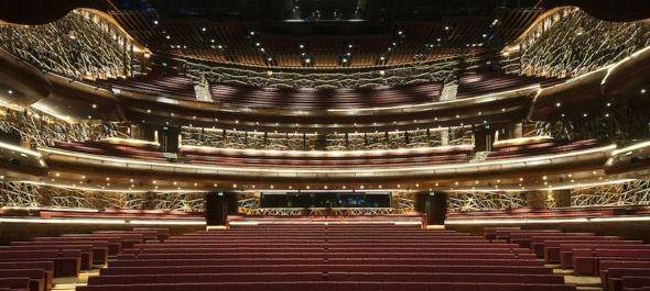 Placido Domingo avatja fel a dubaji operaházat