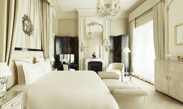 Selejtezés helyett aukció a párizsi Ritzben