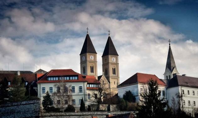 Veszprém és a Balaton együtt indulhat az EKF 2023 címért