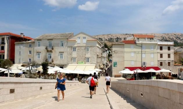 A horvát tengerparti szórakozóhelyeket is elérte a koronavírus