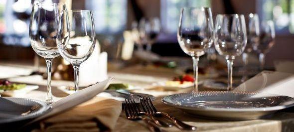 Drasztikusan csökkenhet az éttermi áfa két év alatt