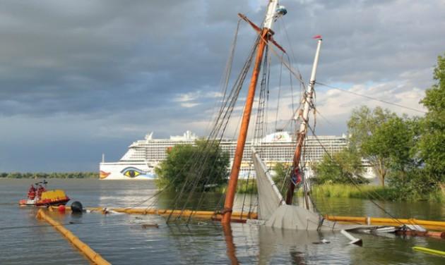 Elsüllyedt egy kirándulóhajó Hamburgnál