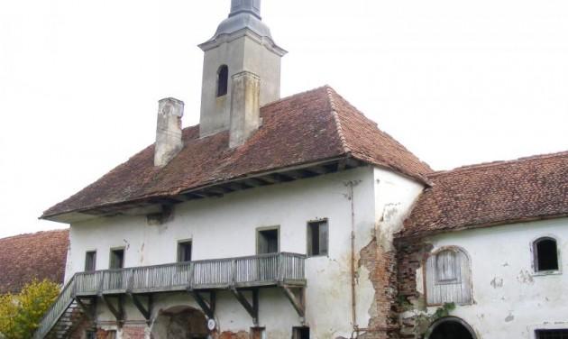 Felújítják a paszmosi Teleki-kastélyt