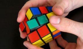EU-bíróság: bejegyezhető uniós védjegyként a Rubik-kocka formája