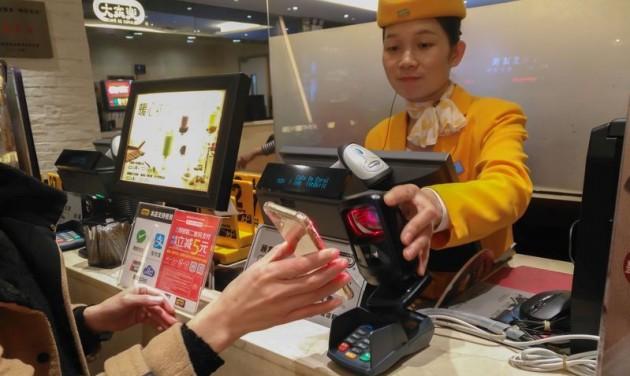 Kína QR-kód alapú globális utazási rendszer bevezetését javasolja