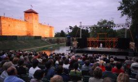 A hétvégén kezdődik a gyulai várszínházi évad