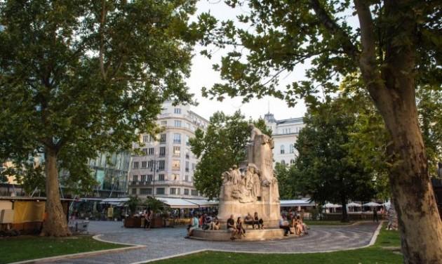 Szeptemberben kezdődik a Vörösmarty tér felújítása