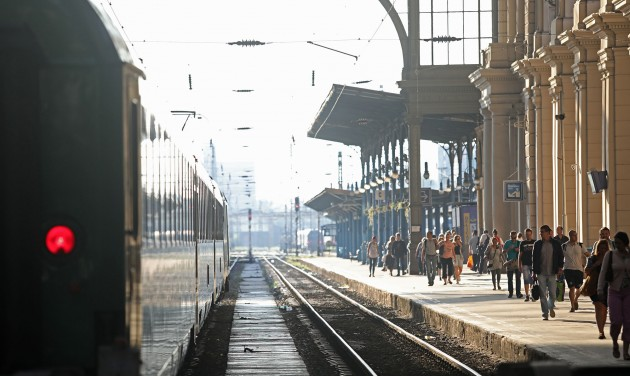 Egyre többen utaznak vonattal