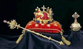 Két hétig látható Prágában a Szent Vencel-korona