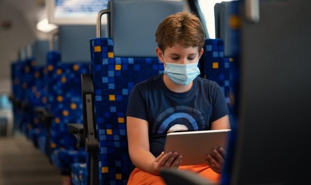 Gyorsabb lesz a wifi a vonatokon