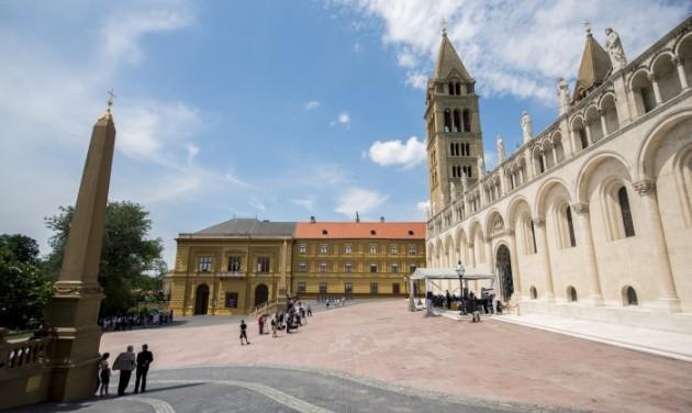 Pécs turisztikai vonzerejét is emeli a megújult Dóm tér