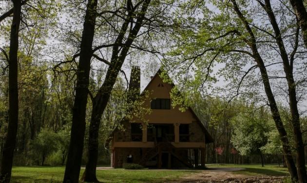 Újranyitnak a gemenci vendégházak