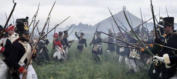 5000 korhű jelmezes katonával játsszák újra a waterloo-i csatát