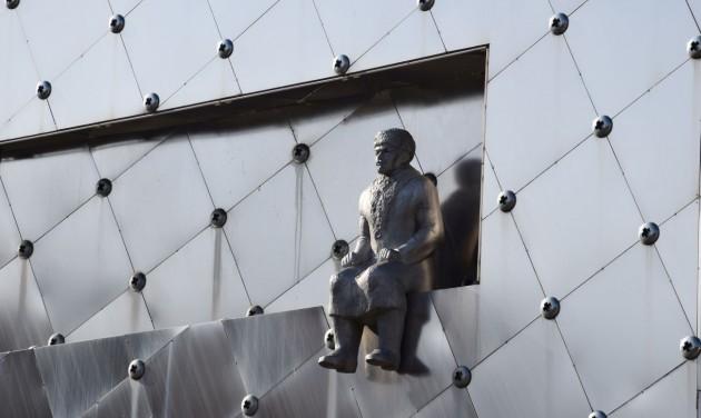 Trónoló Lenin