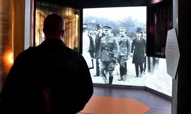 Trianon 100 - Megnyílt a Nemzeti Múzeum Trianon-kiállítása