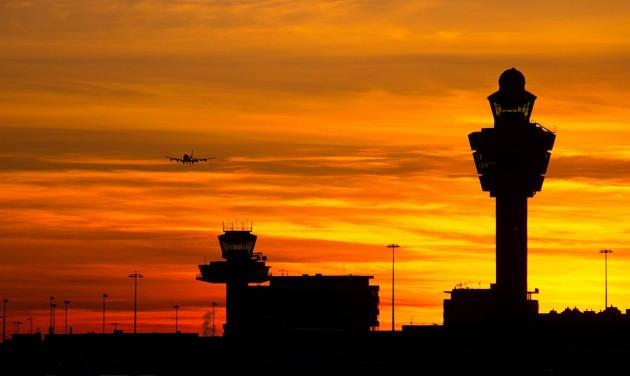 Infografikán a légi közlekedés visszaesése