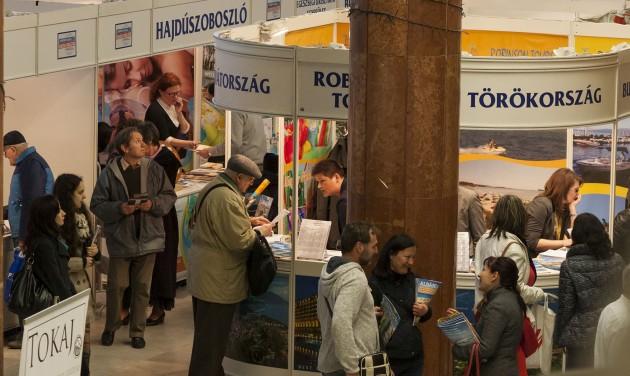 Elmaradtak a katalógusgyűjtőgetők a miskolci utazási kiállításról