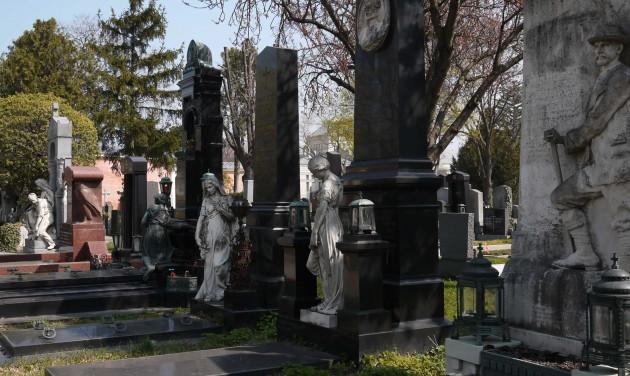Rettenetes temetőlátogatás