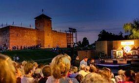Tartalmas produkciókkal várja a közönséget nyáron a Gyulai Várszínház
