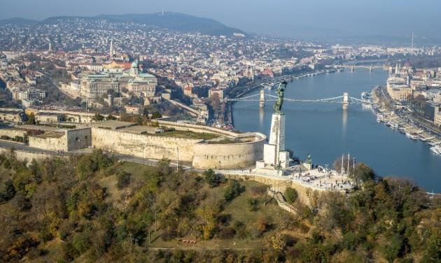 A turistabuszokat is kiváltja a zöld utat kapott Gellért-hegyi sikló