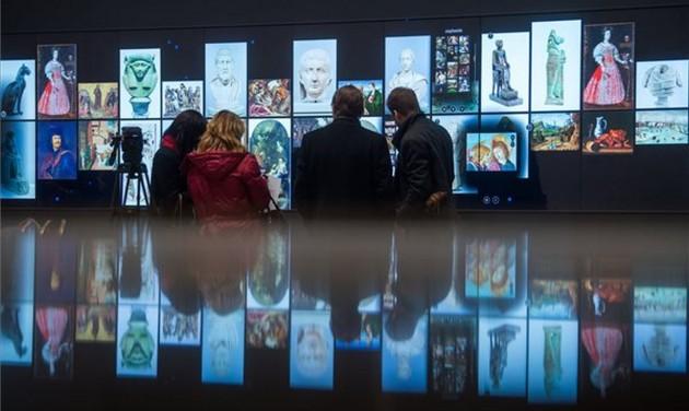 A világ legnagyobb múzeumi LCD fala a Szépművészeti Múzeumban