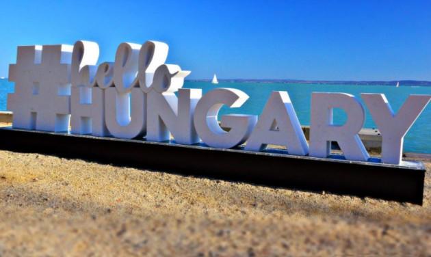 50 pályázat érkezett a #HelloHungary feliratok megfestésére