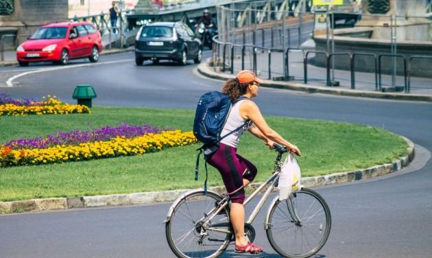 Hétvégenként ingyenes a bringaszállítás a budapesti tömegközlekedésen