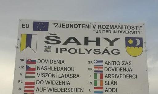 Soknyelvű üdvözlőtábla Szlovákiában