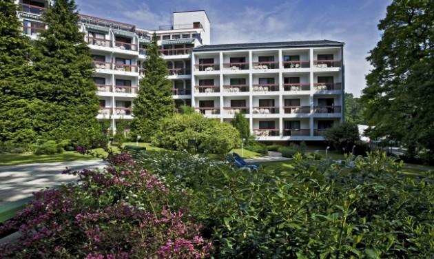 Szállodai recepciós, Sopron