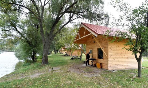 Kulcsos házakat adtak át Lovasberény közelében
