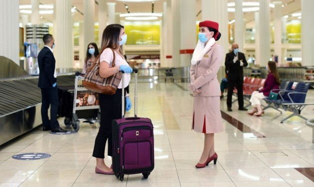 Az Emirates kifizeti koronavírusos utasai költségeit