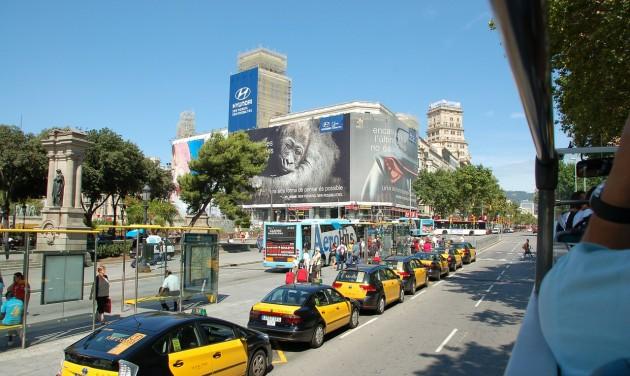 Sztrájkba léptek a barcelonai taxisok