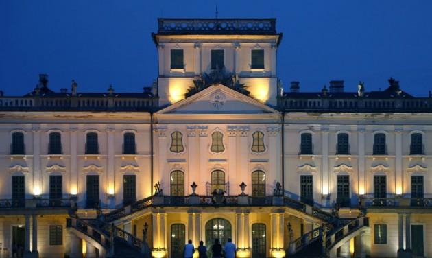 Múzeumok Éjszakája Eszterházán, ahol újra életre kel a barokk-rokokó világ