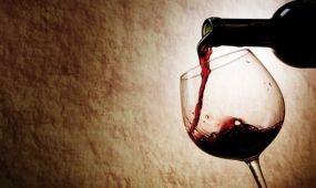 Kínában népszerűsítik a magyar borokat