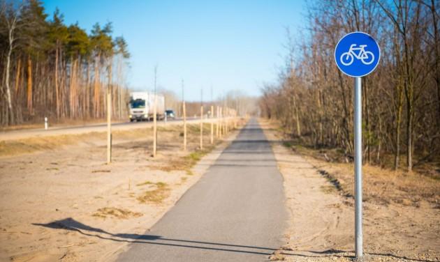 Teljessé vált a bicikliút Szeged és Baja között